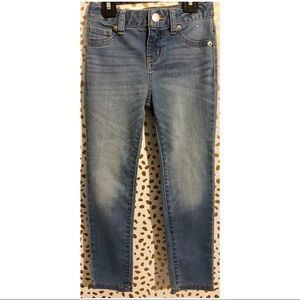 Girls Size 5 Cat & Jack Super Skinny Jeans.